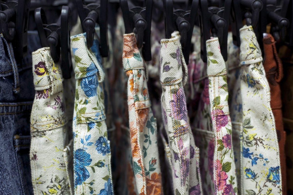 Row of hanged floral Print Short
